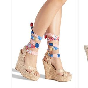 Colorful wrap wedges